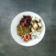 Salade violette lentilles, pois et sardines