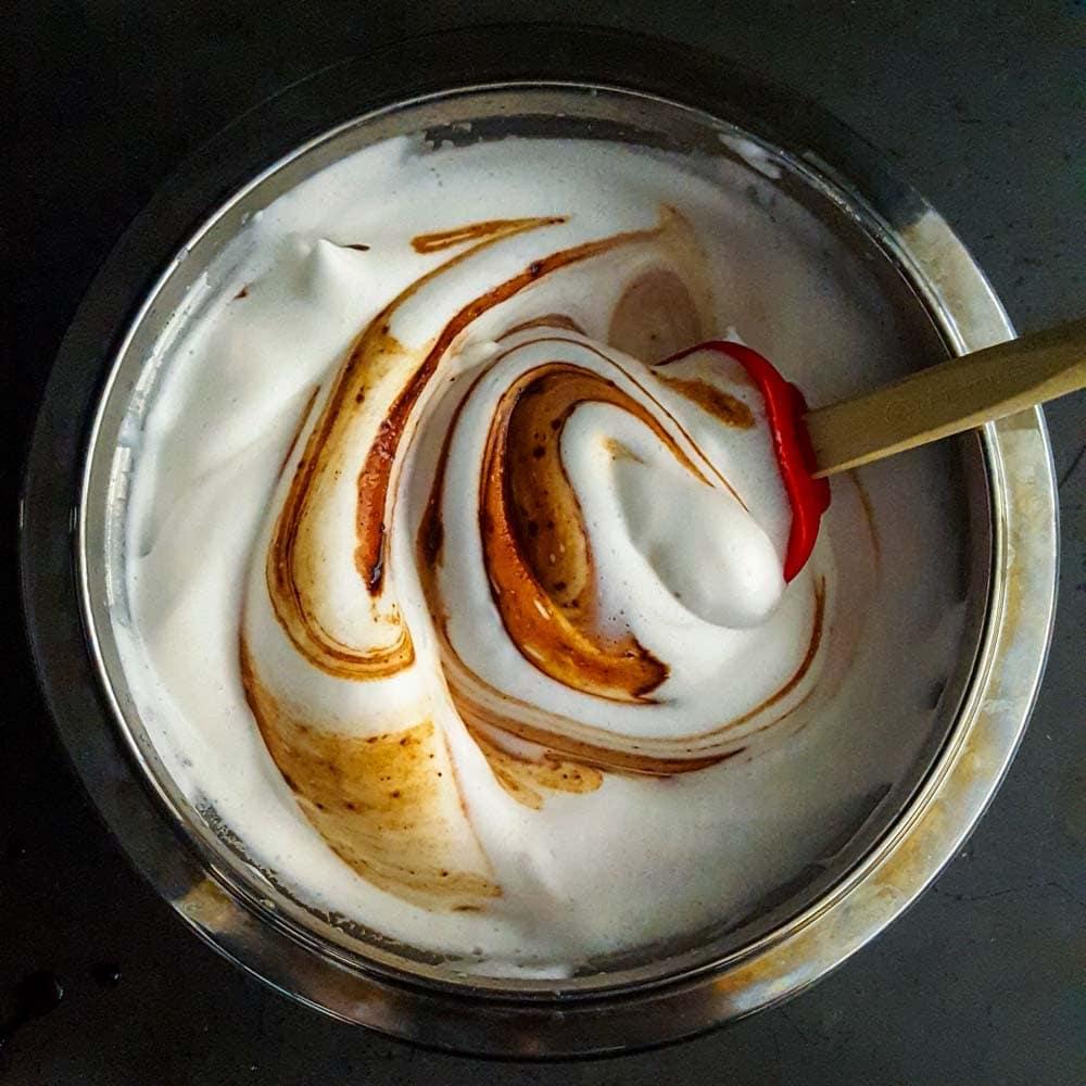 Mousse au chocolat sans oeufs (végétalien) - la cerise sur le maillot