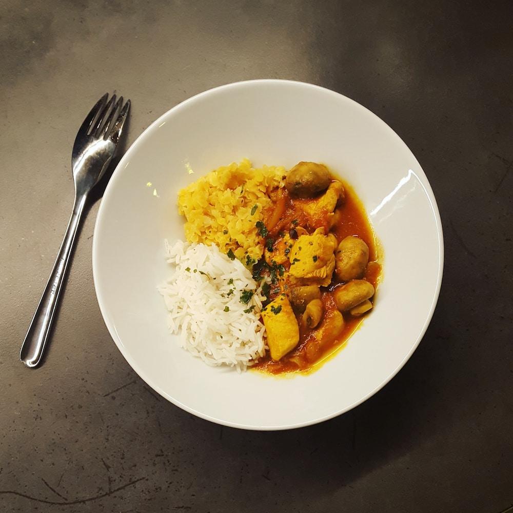 Poulet et champignons au curry