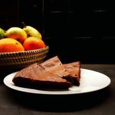 Gâteau fondant au chocolat et aux baies de Timut
