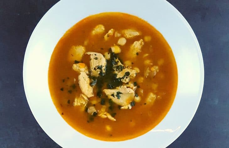 Soupe épicée aux pois chiches et au poulet