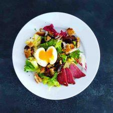 Salade landaise à l'oeuf mollet