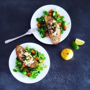 Tartare hareng-poire en salade hivernale