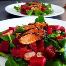 Tataki de saumon et salade vitaminée de légumes hivernaux