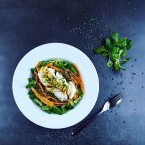 Salade de lentilles et cabillaud tiède vinaigrette au curry - recette de salade - la cerise sur le maillot