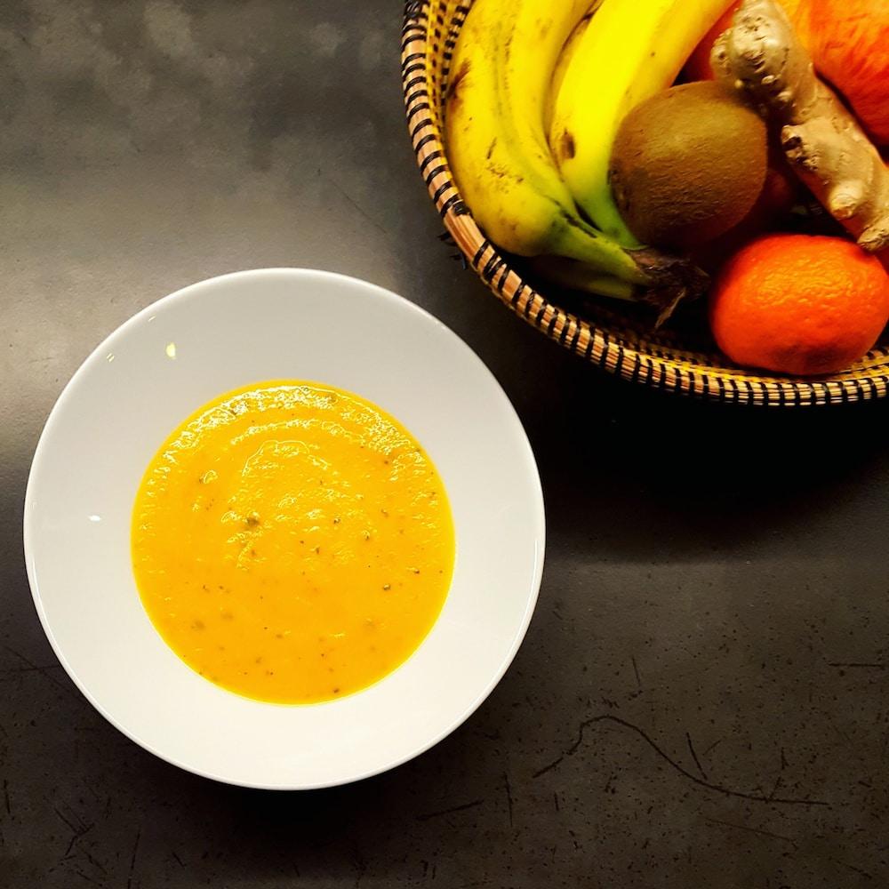 Soupe de carottes et patate douce à la coriandre