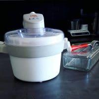 Une sorbetière pour faire des glaces