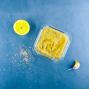 Caviar d'aubergine léger au sésame - la cerise sur le maillot