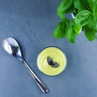 Gaspacho de courgettes au basilic et à la ricotta
