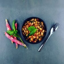 Salade de haricots borlotti aux tomates confites et basilic