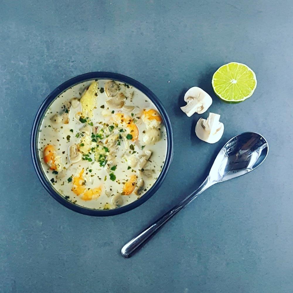 Soupe crevettes-coco aux saveurs thaï