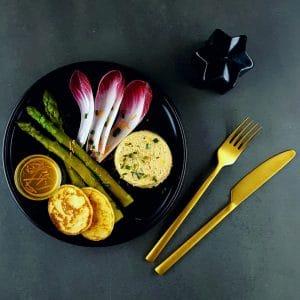 Timbale de crevettes au whisky, asperges vertes, vinaigrette aux agrumes