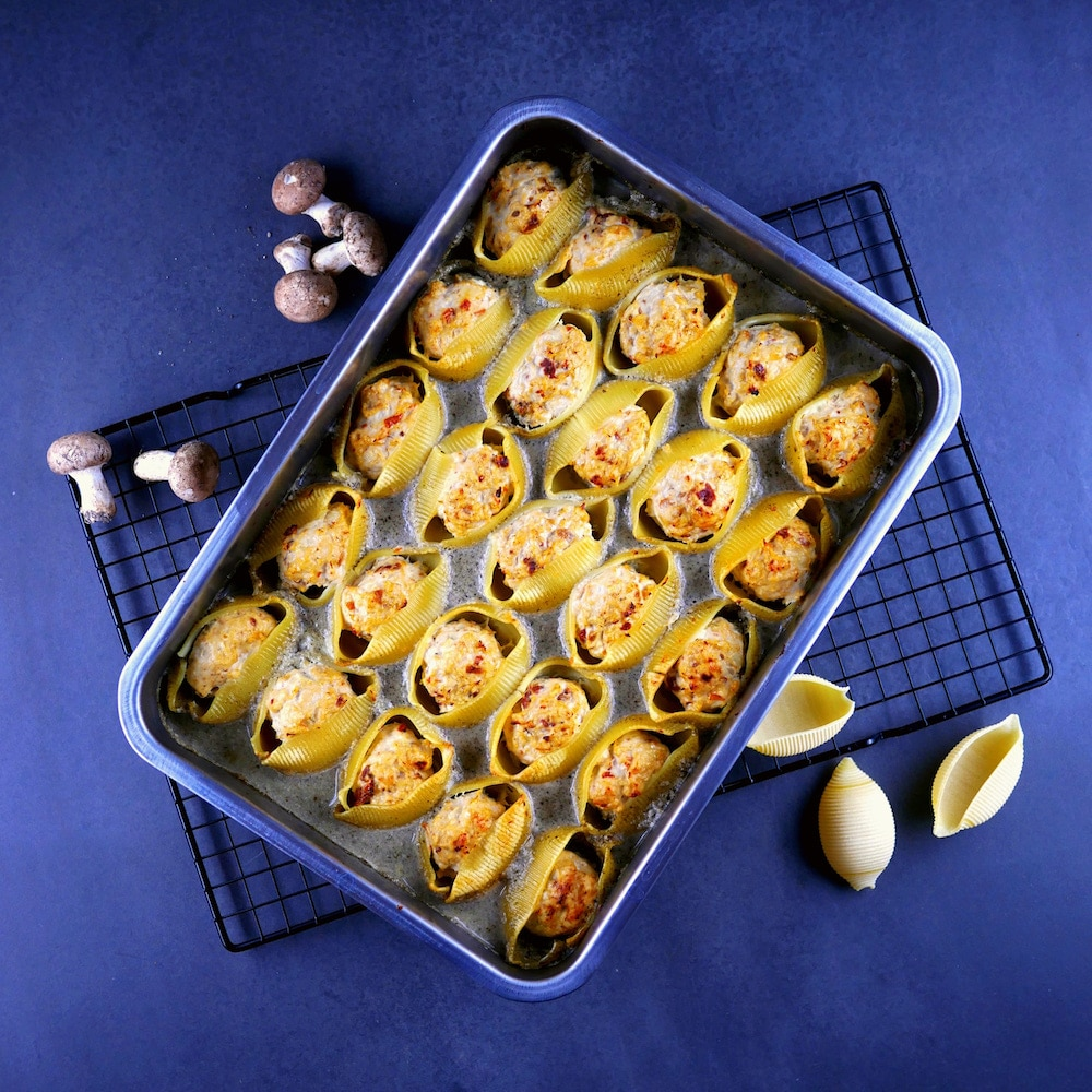 Conchiglioni aux boulettes de poulet, crème de champignons