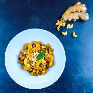 Délicieux wok minute de chou-rave et crevettes - la cerise sur le maillot