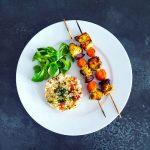 Brochettes de poulet à l'orientale et carottes au miel - la cerise sur le maillot