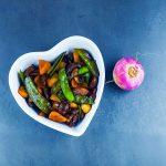 Wok de légumes printaniers - la cerise sur le maillot