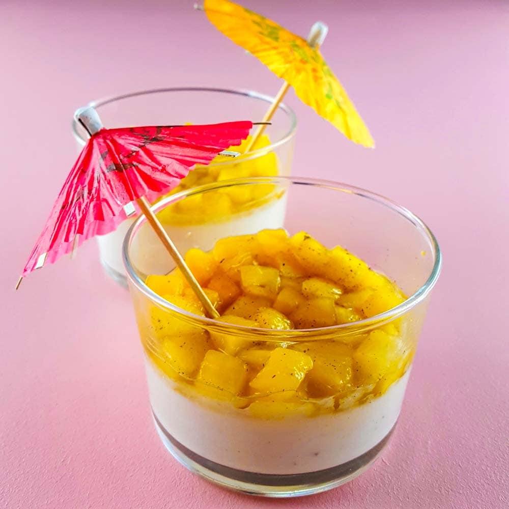 Panna colada, la pannacotta à l'ananas - la cerise sur le maillot