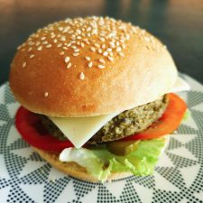 Veggie burger au steak de lentilles