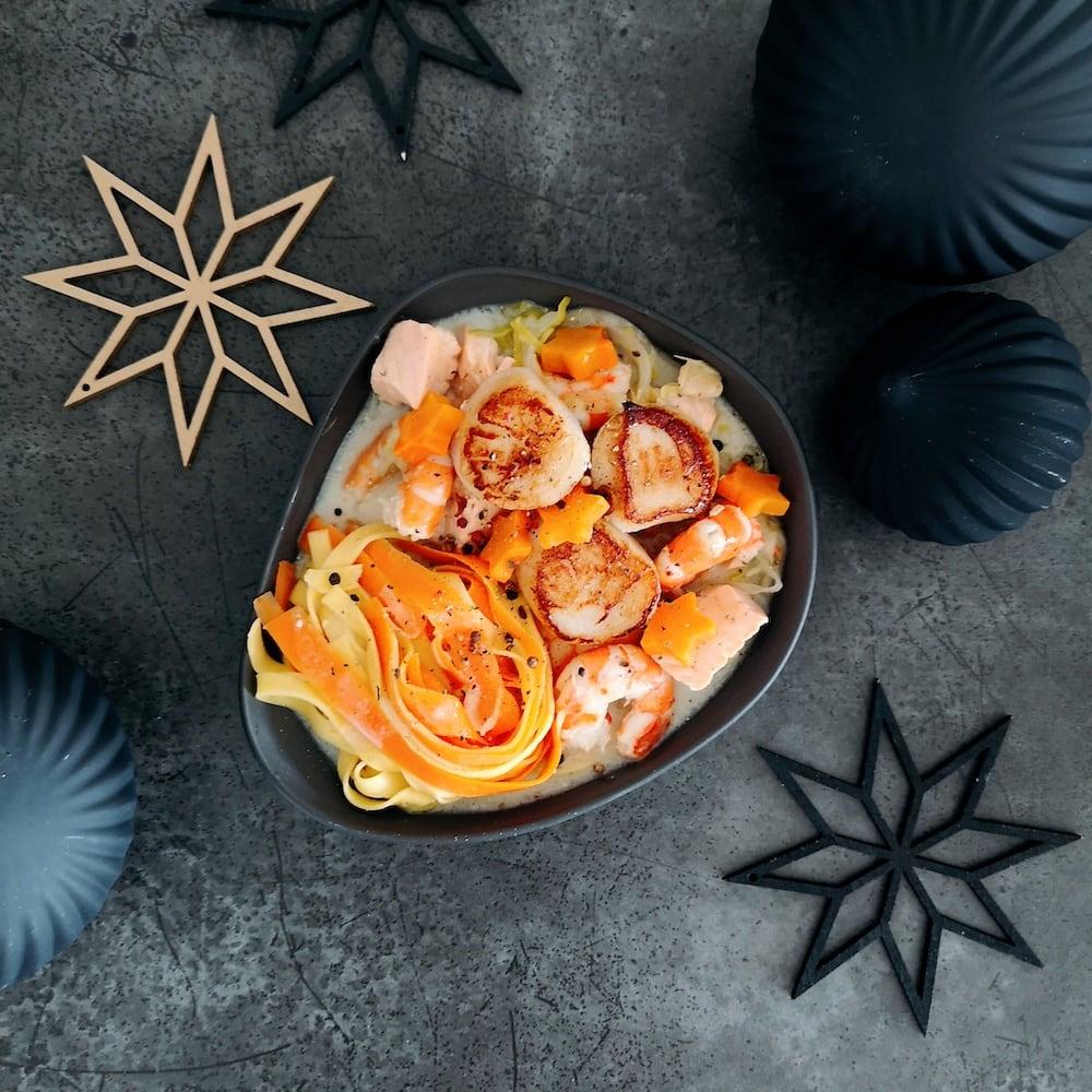 Navarin de la mer au Sauternes, Saint-Jacques snackées et duo de tagliatelles - menu noel - la cerise sur le maillot