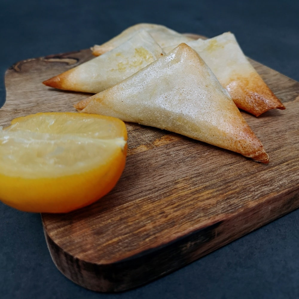 Samoussas aux crevettes et citrons confits - apero - la cerise sur le maillot