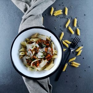 Veggie bolo, penne et parmesan - recette végétarienne facile - La cerise sur le maillot
