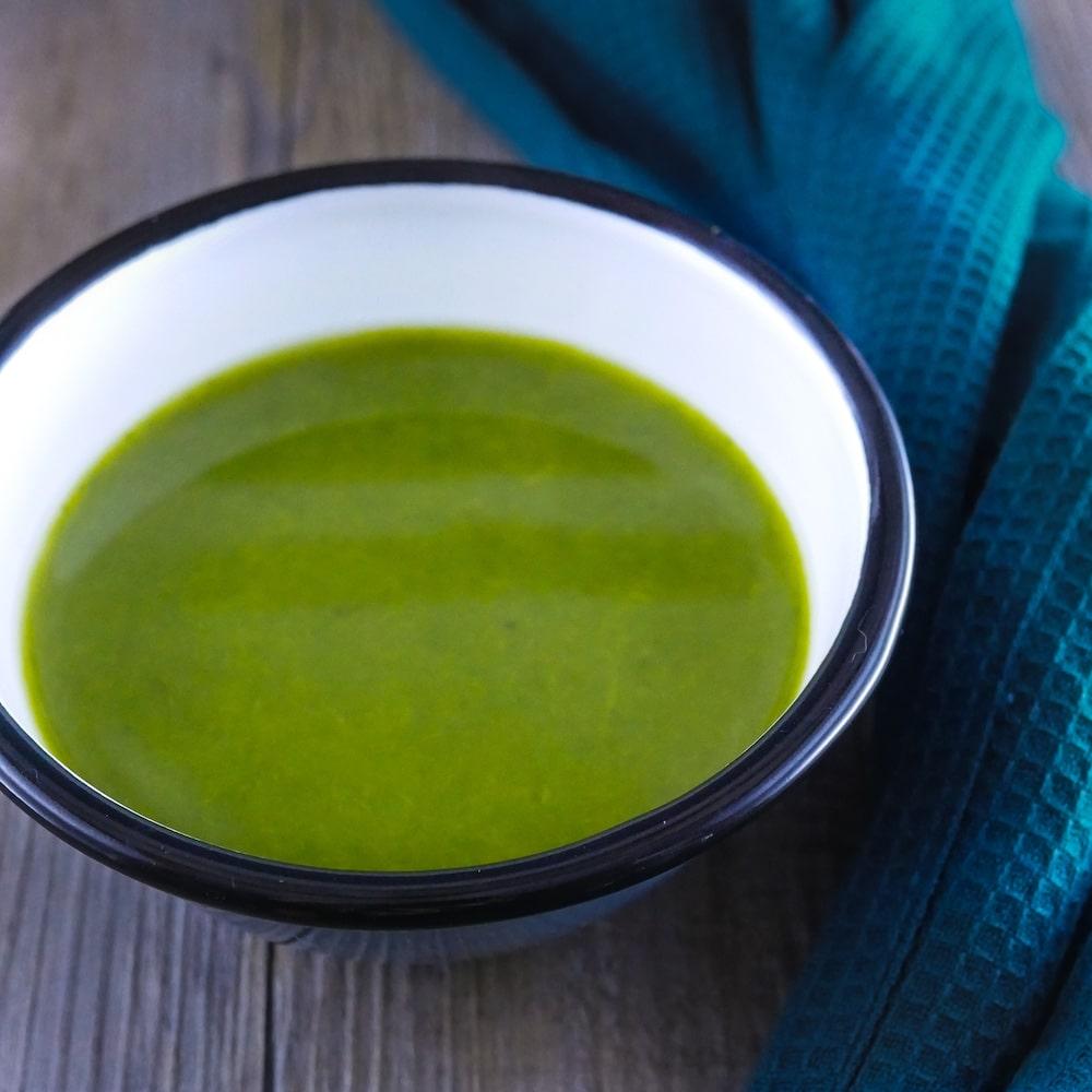 Soupe de cresson et poireaux à la cardamone et curcuma - soupe detox - la cerise sur le maillot