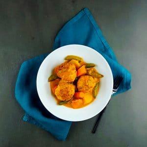 Curry de légumes et boulettes de poisson - boulette de poisson - la cerise sur le maillot