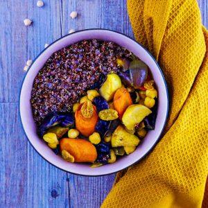 Couscous de légumes d'hiver rôtis et quinoa rouge - la cerise sur le maillot