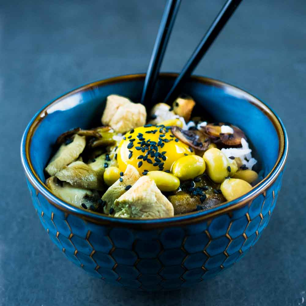 Oyakodon au poulet, ma recette facile - recette japonaise - la cerise sur le maillot