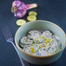 Cacik, la salade de concombre au yaourt