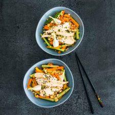 Salade de légumes et poulet aux saveurs vietnamiennes