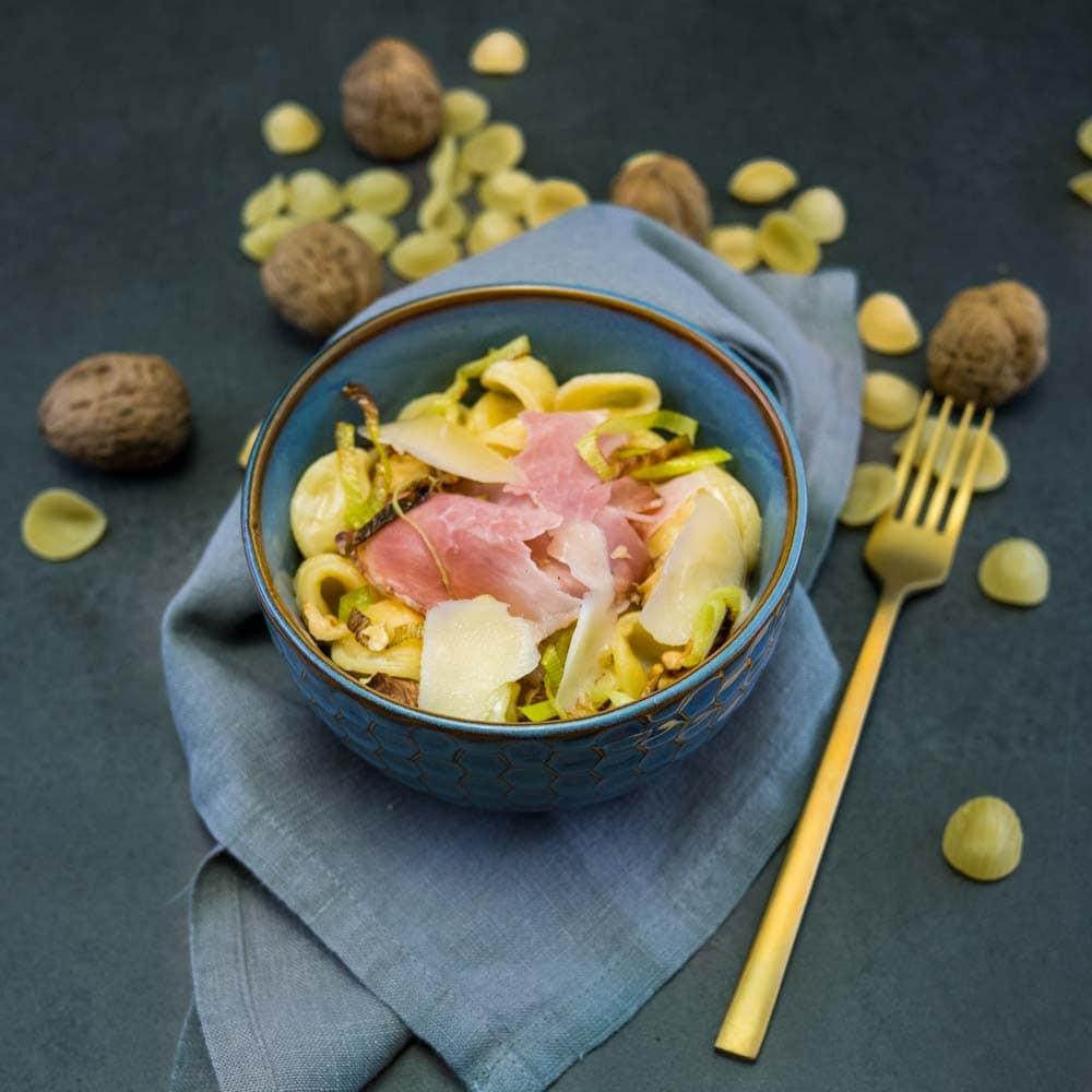 Pastasotto au jambon truffé, noix et brebis - la cerise sur le maillot