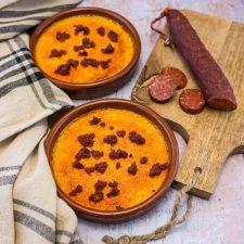 Crème brûlée au potimarron, ail confit et chorizo
