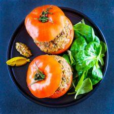 Tomates farcies aux sardines et lentilles