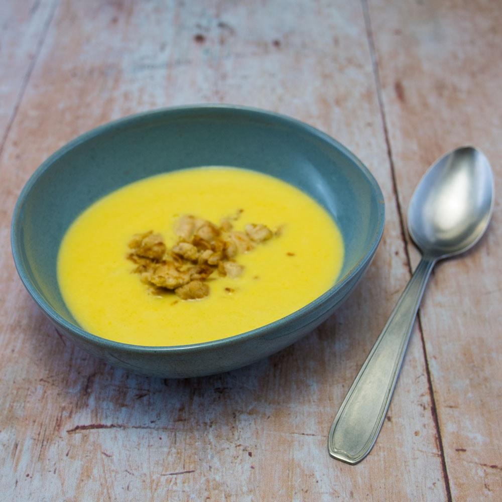 Soupe de maïs au poulet - la cerise sur le maillot