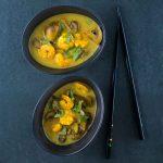 Soupe de crevettes et champignons aux saveurs thaï - la cerise sur le maillot
