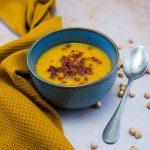 Soupe orientale aux pois chiches et carottes, crumble de chorizo - la cerise sur le maillot