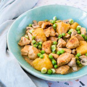 Curry de poulet printanier - la cerise sur le maillot