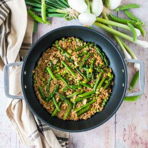 Risotto de petit épeautre aux légumes printaniers - la cerise sur le maillot