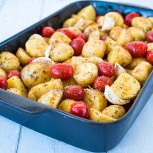 Pommes de terre primeur et tomates cerises - la cerise sur le maillot