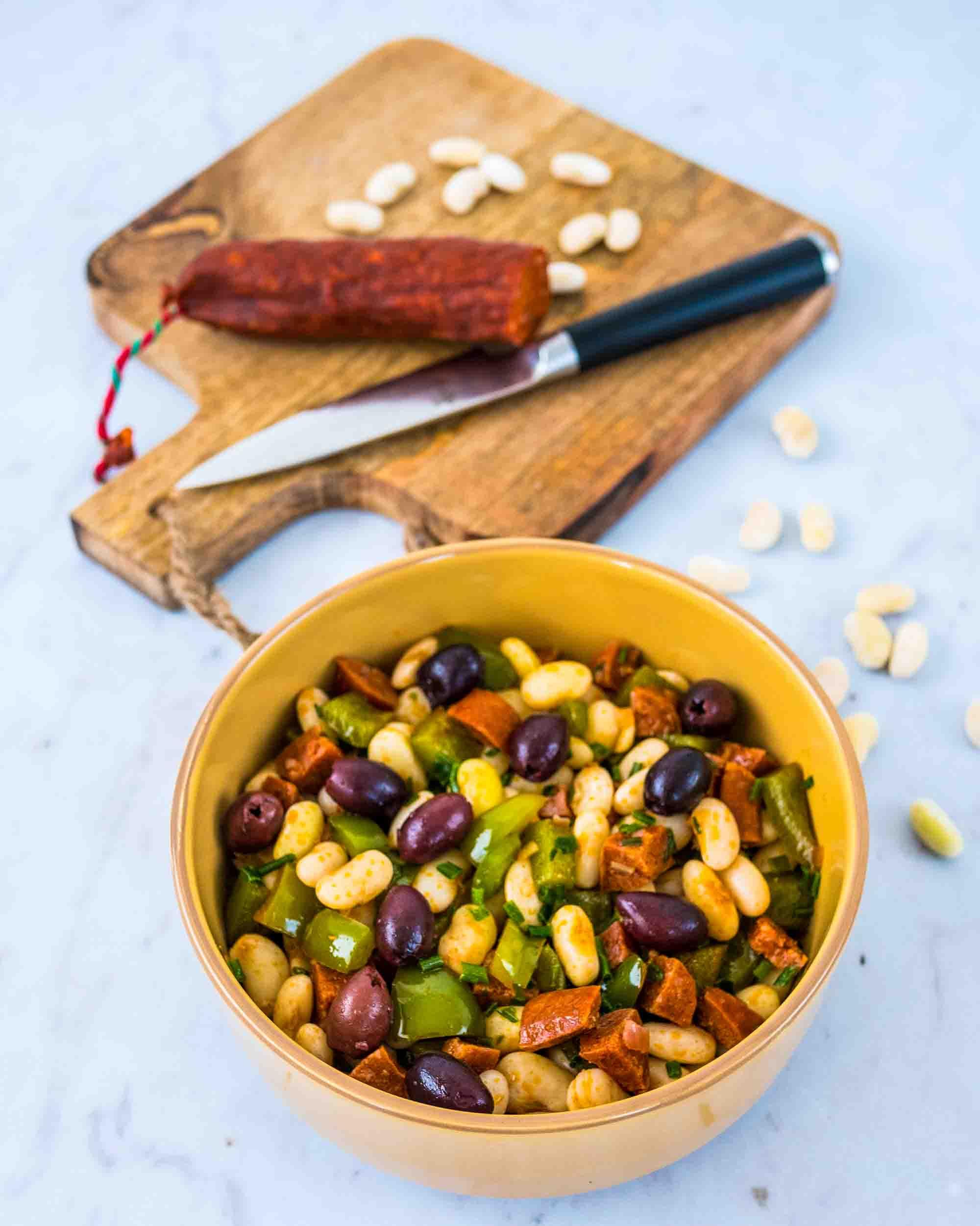 Salade de mogettes, poivron et chorizo - la cerise sur le maillot