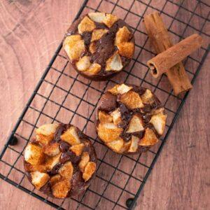 Petits moelleux chocolat et poire à la cannelle - la cerise sur le maillot