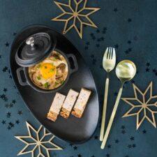 Œufs cocottes aux cèpes et mouillettes royales au foie gras