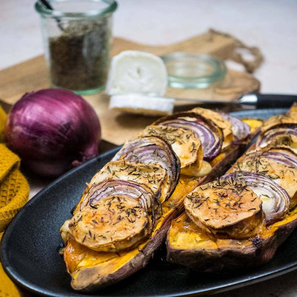 Patate douce rôtie au chèvre et oignons rouges - la cerise sur le maillot