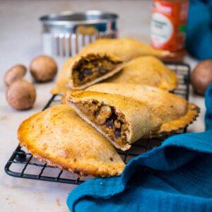 Empanadas végétariens (pois cassés-champignons-olives) - la cerise sur le maillot