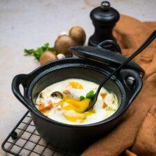 Œufs cocotte à la patate douce et aux champignons