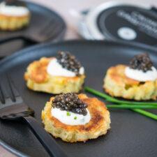 Pancakes aux pommes de terre et caviar d'Aquitaine