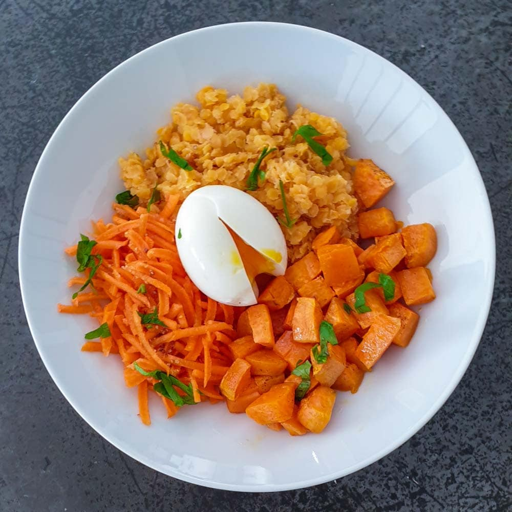 Rutabago - bowl tout orange d'hiver et oeuf mollet - la cerise sur le maillot