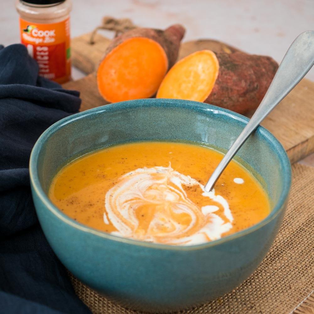 Velouté de carottes et patates douces aux 4 épices - la cerise sur le maillot